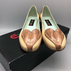 Vintage new in box leather heart ballet flats